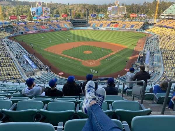Dodger Stadium, sección: 3RS, fila: M, asiento: 2