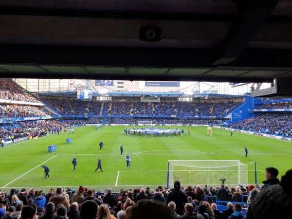 Stamford Bridge, sección: Matthew Harding Lower, fila: DD, asiento: 97