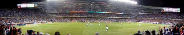 Soldier Field, sección: 140, fila: 4, asiento: 7