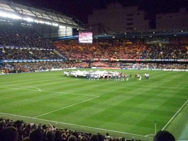 Stamford Bridge, sección: Matthew Harding Lower, fila: AA, asiento: 328