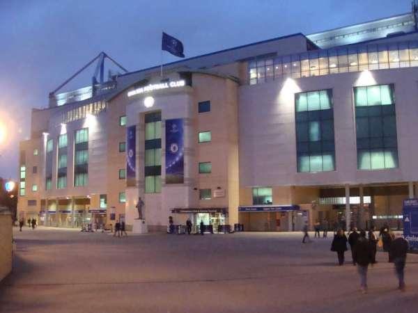 Stamford Bridge, sección: Outside