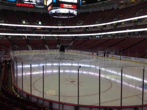 Honda Center, sección: 203, fila: K, asiento: 5