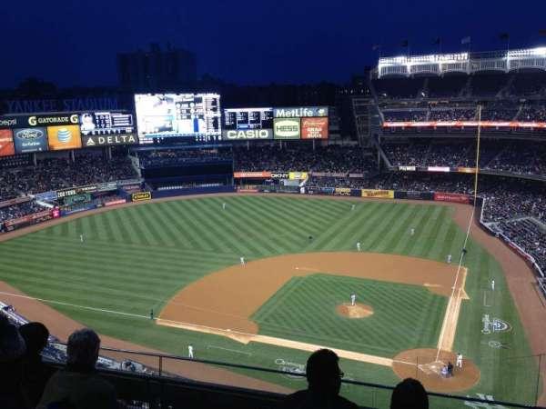 Yankee Stadium, sección: 422, fila: 4, asiento: 6