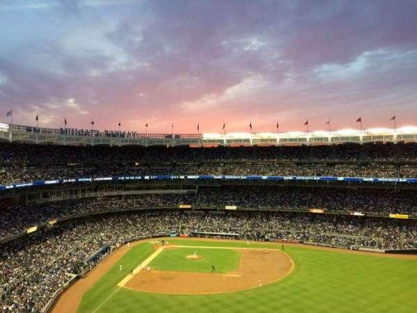 Yankee Stadium, sección: 405, fila: 1A, asiento: 2