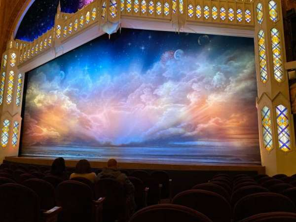 Eugene O'Neill Theatre, sección: Orchestra R, fila: J, asiento: 2