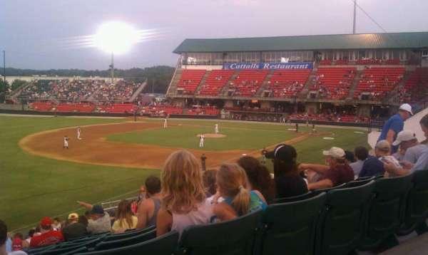 Five County Stadium, sección: GA