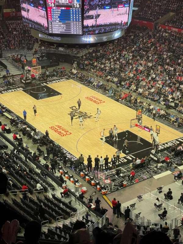 Staples Center, sección: 330, fila: 8, asiento: 7