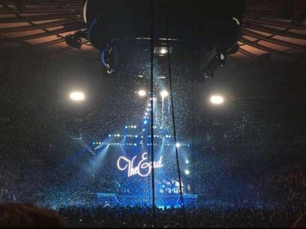 Madison Square Garden, sección: 2, fila: 18, asiento: 3