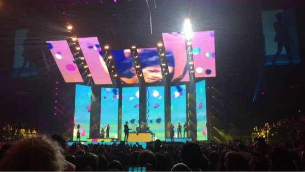 Madison Square Garden, sección: Floor F, fila: 8, asiento: 9