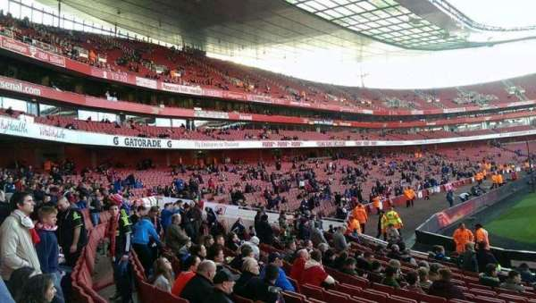 Emirates Stadium, sección: 20, fila: 15