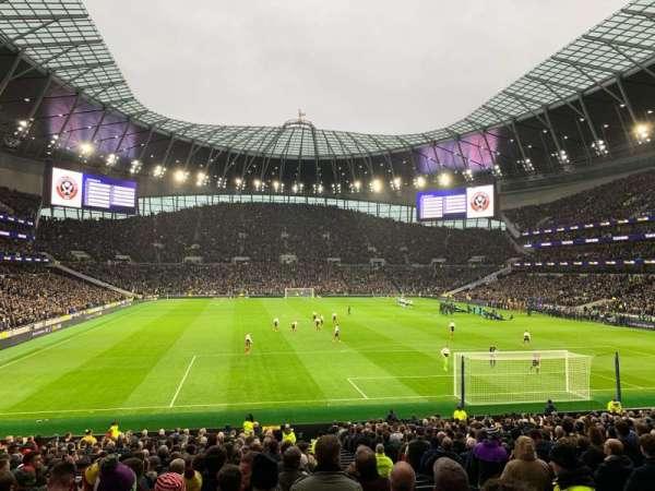 Tottenham Hotspur Stadium, sección: 114, fila: 27, asiento: 405