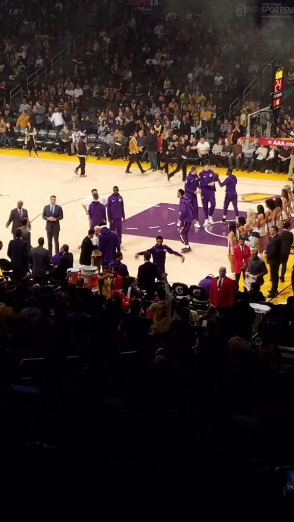 Staples Center, sección: Prem 3, fila: 9, asiento: 2