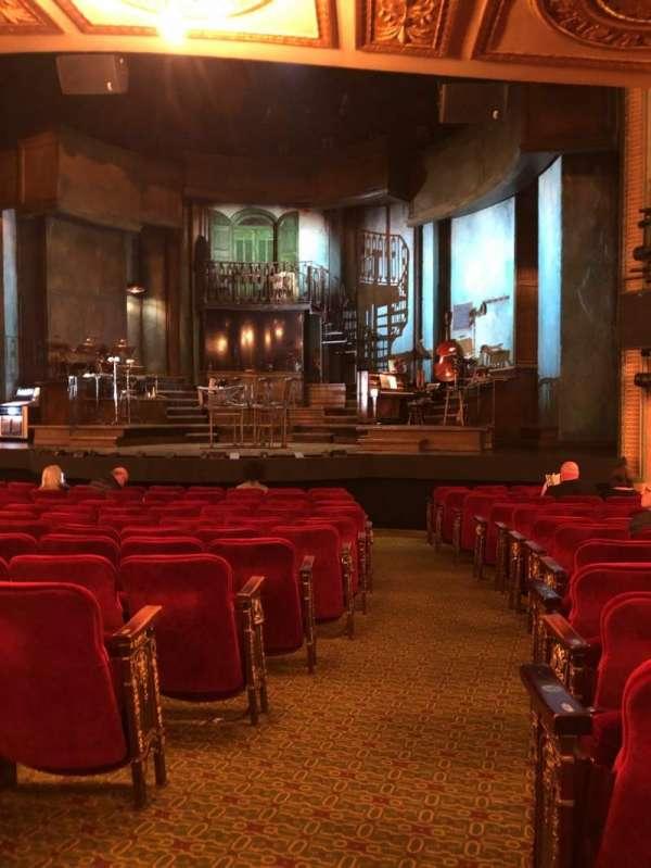 Walter Kerr Theatre, sección: Orchestra right, fila: P, asiento: 2