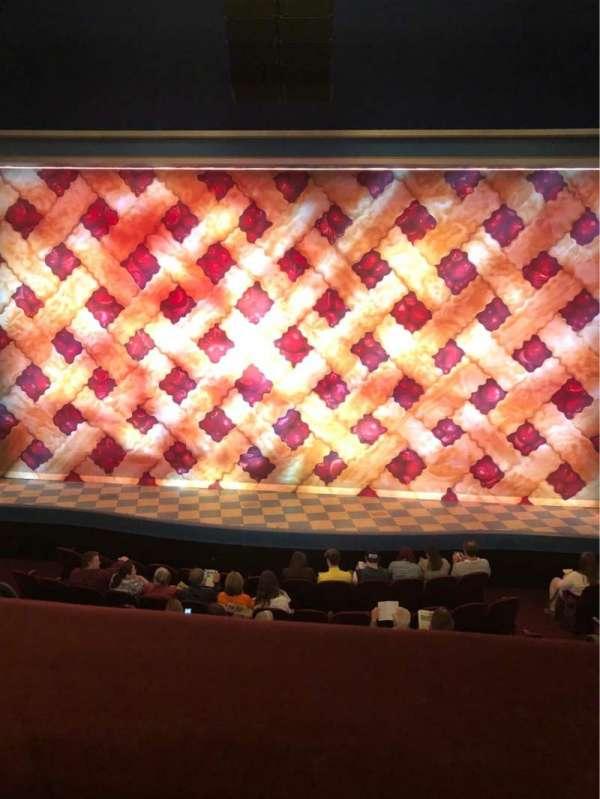 Brooks Atkinson Theatre, sección: Center Mezzanine, fila: A, asiento: 110