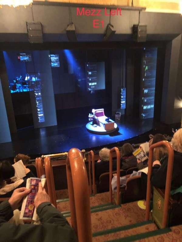Music Box Theatre, sección: Mezzanine L, fila: E, asiento: 1