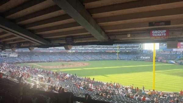 Angel Stadium, sección: T230, fila: SA, asiento: 6