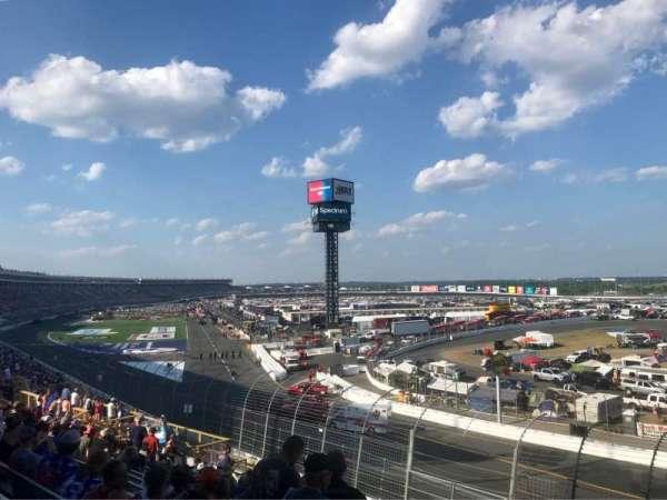 Charlotte Motor Speedway, sección: GNT E, fila: 20, asiento: 6