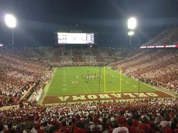 Gaylord Memorial Stadium, sección: 19, fila: 68, asiento: 25