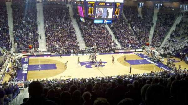 Bramlage Coliseum, sección: 7, fila: 32, asiento: 14