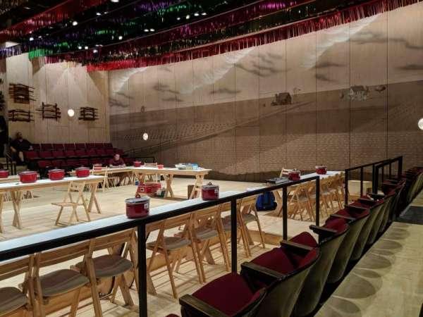Circle in the Square Theatre, sección: Orchestra 200 (Even), fila: C, asiento: 228