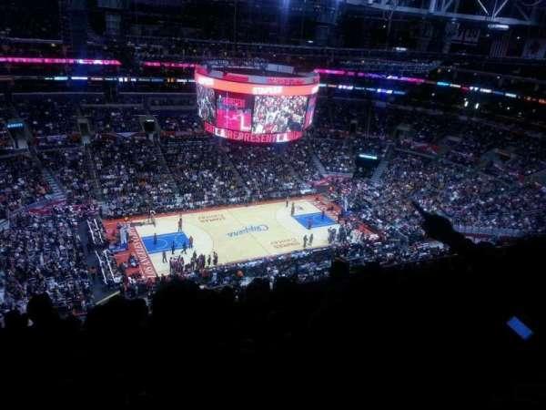 Staples Center, sección: 303, fila: 12, asiento: 10