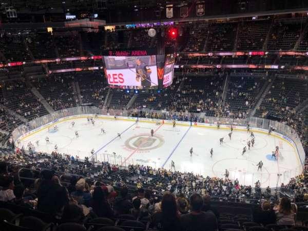 T-Mobile Arena, sección: 225, fila: L, asiento: 13
