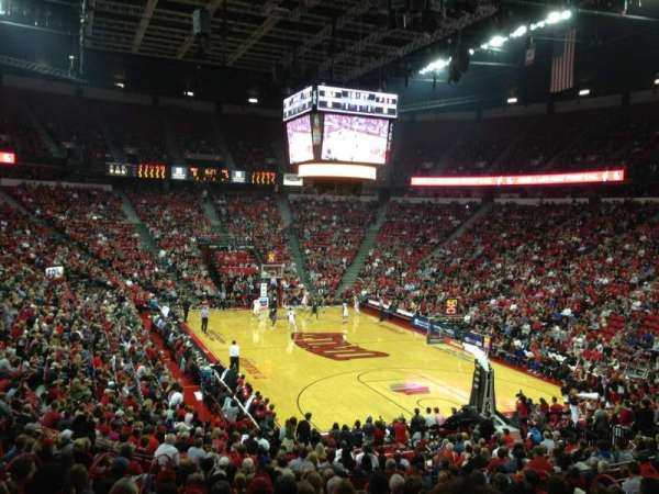 Thomas & Mack Center, sección: 113, fila: P, asiento: 11