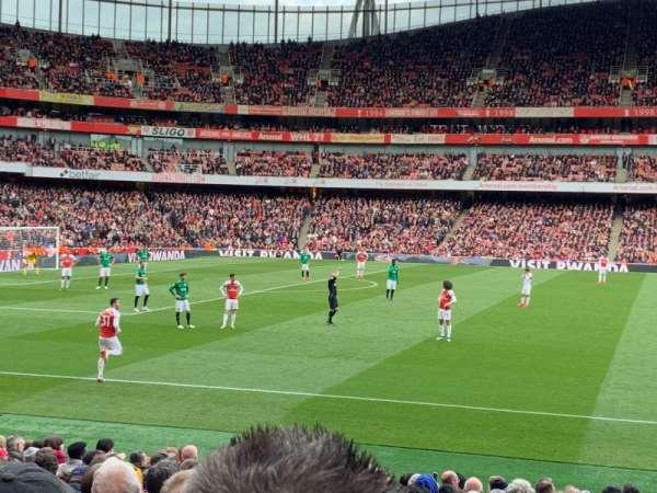 Emirates Stadium, sección: 2, fila: 18, asiento: 36