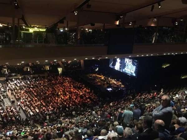 Madison Square Garden, sección: 210, fila: B25, asiento: 1