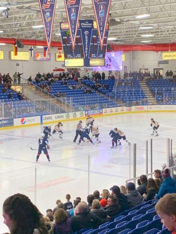 USA Hockey Arena, sección: 105, fila: N, asiento: 4