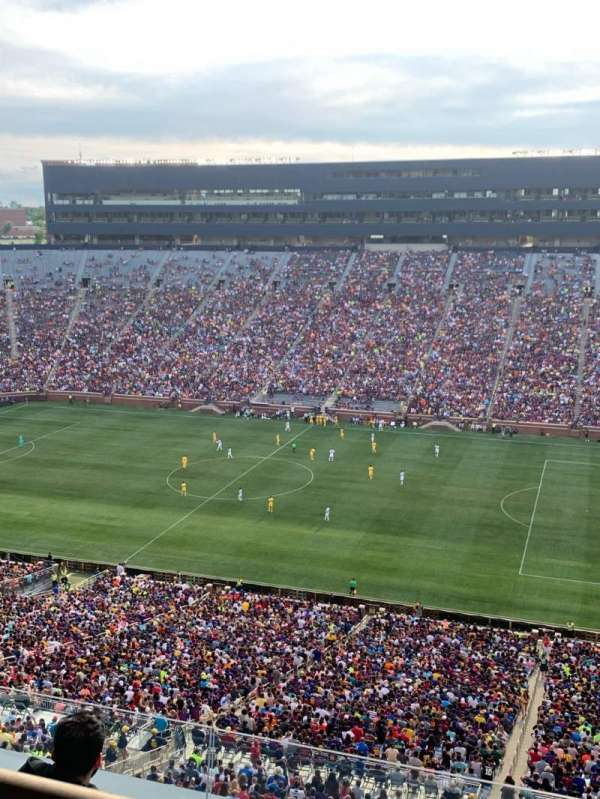 Michigan Stadium, sección: 415, fila: WC