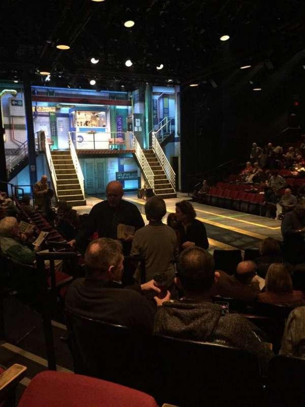 Circle in the Square Theatre, sección: Orchestra 100 (Odd), fila: E, asiento: 121