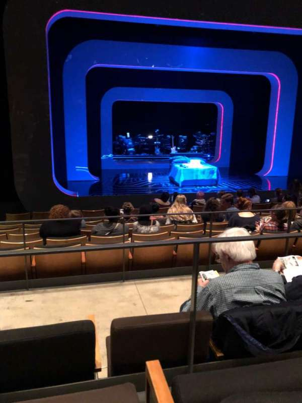 The Irene Diamond Stage at The Pershing Square Signature Center, sección: Orch, fila: J, asiento: 104