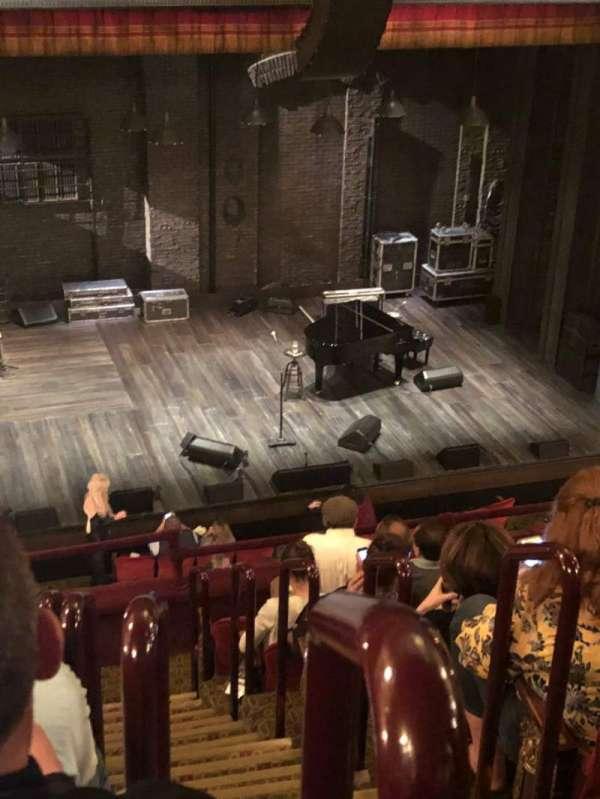 Walter Kerr Theatre, sección: Mezz, fila: H, asiento: 1