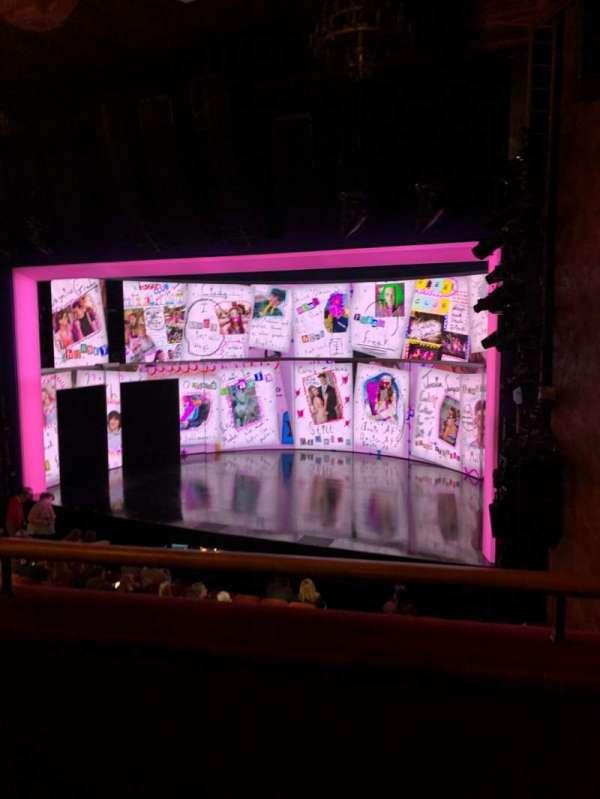 August Wilson Theatre, sección: Mezz, fila: B, asiento: 14