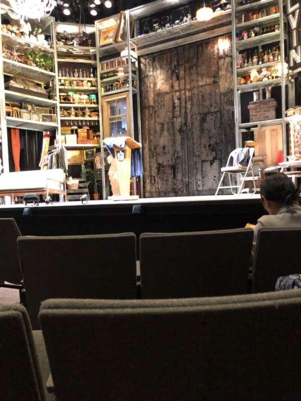 Laura Pels Theatre, sección: Orch, fila: E, asiento: 4