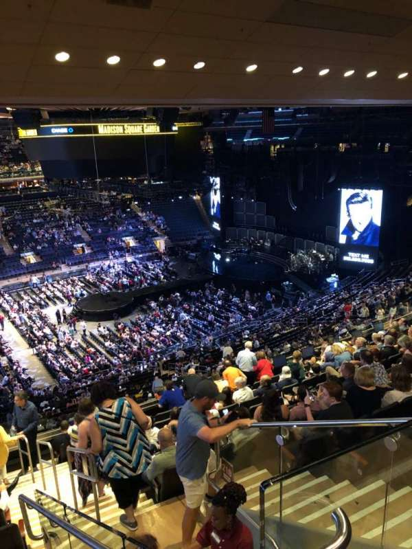 Madison Square Garden, sección: 209, fila: 12, asiento: 21