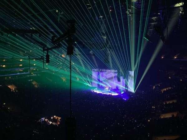 Staples Center, sección: 305, fila: 2, asiento: 10