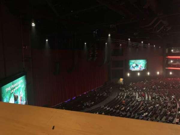 Microsoft Theater, sección: Mezz Box F, fila: 1, asiento: 638