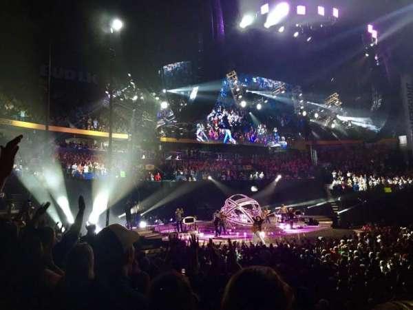 Bridgestone Arena, sección: 115, fila: JJ, asiento: 12
