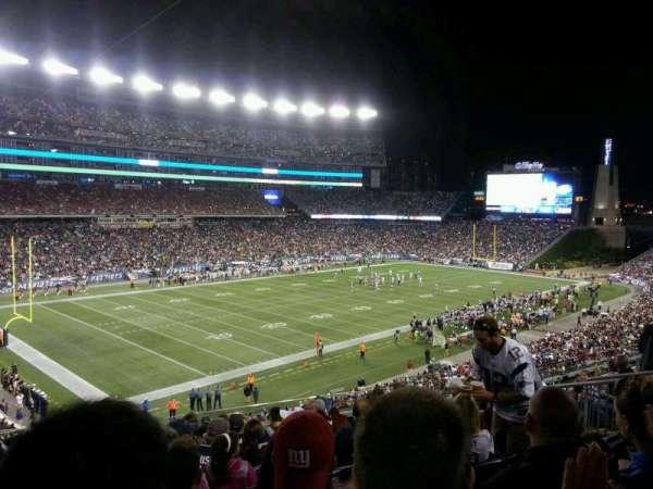 Gillette Stadium, sección: 215, fila: 14, asiento: 12