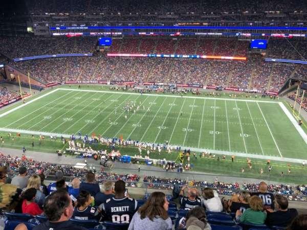 Gillette Stadium, sección: 329, fila: 6, asiento: 13