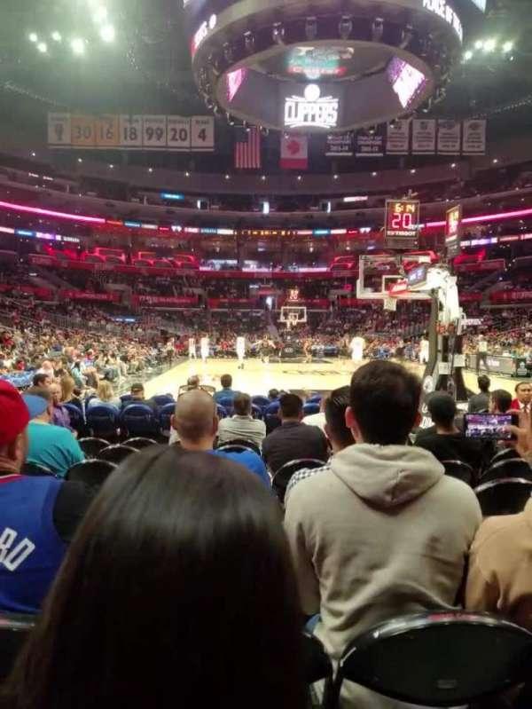 Staples Center, sección: 107, fila: J, asiento: 8