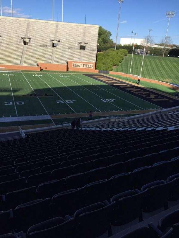 BB&T Field, sección: 7, fila: CC, asiento: 19