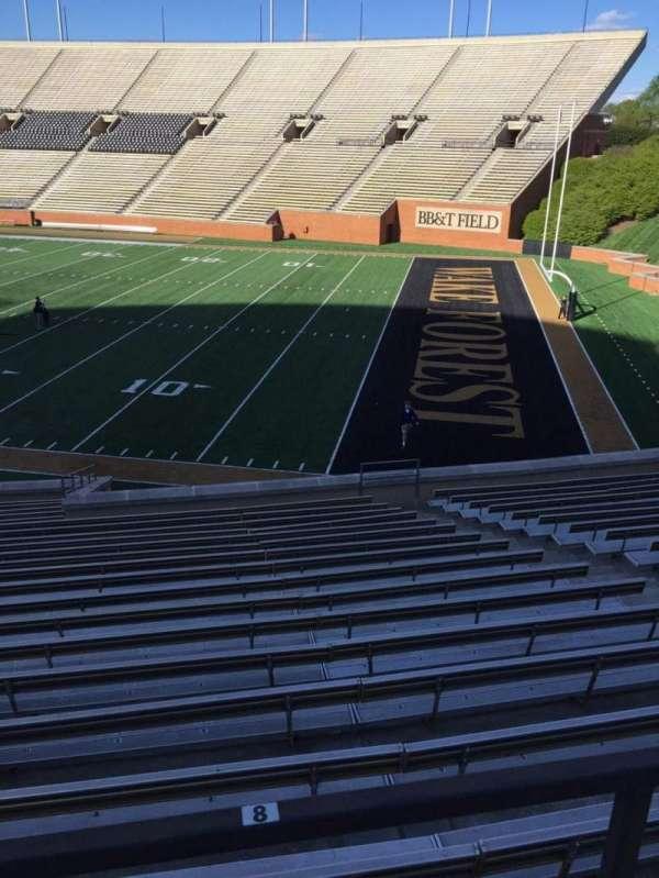 BB&T Field, sección: 9, fila: DD, asiento: Handicapped