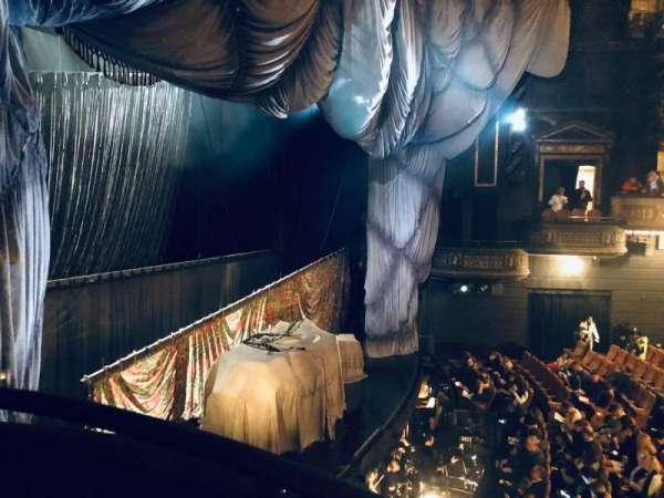 Majestic Theatre, sección: Box F, asiento: 3