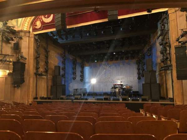 Booth Theatre, sección: Orchestra , fila: L, asiento: 119