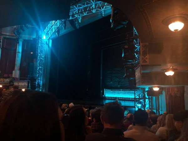 Broadhurst Theatre, sección: Orchestra R, fila: M, asiento: 26