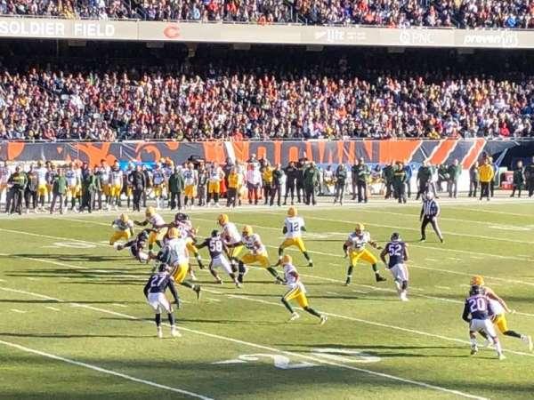 Soldier Field, sección: 144, fila: 16, asiento: 20