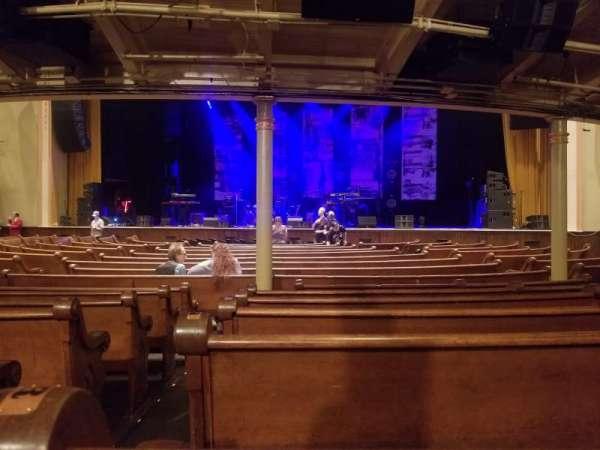 Ryman Auditorium, sección: MF-3, fila: S, asiento: 12